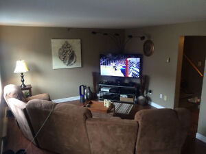 SUBLET Stylish 2 bed, 2 floor, large deck