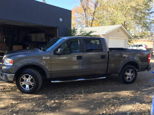 Low KM, 2007 Ford F150 FX4 Crew Cab with 6.5 foot box