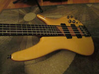 Ibanez Soundgear SR705NT Bass in mint condition with gigbag