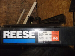 3500  LB REESE HITCH  NEAR NEW
