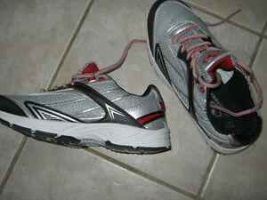 #TelusHelpMeSell - Men's Size 7 Sportek Running Shoes Kitchener / Waterloo Kitchener Area image 2