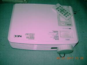 Texas Instruments NEC NP100 Projector