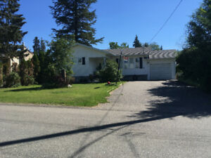Cozy bungalow for sale in popular neighbourhood in the Cariboo!