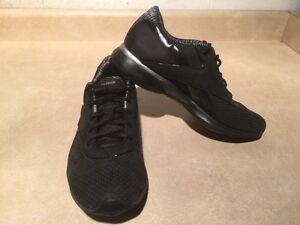 Women's Reebok EasyTone Running Shoes Size 7.5 London Ontario image 4