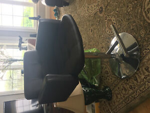 Adjustable Bar stool/ Barber Chair