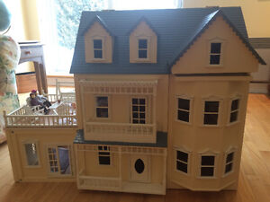 Wooden Multi Level Victorian Dollhouse with Furniture