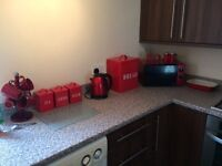 Kitchen set in red (no cups)