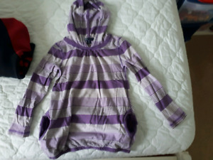 Gap kids hoody with pockets size small