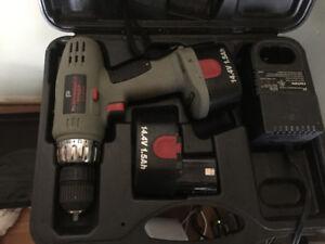 Perceuse sans fil 14.4 volts avec chargeur et boite