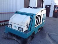 Floor scrubber/washer Tennant 8210 w/ drv.canopy
