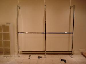 Fermeture Boutique **Système complète de Présentoir sur Mur**