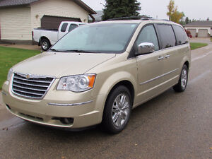 2010 Chrysler Town & Country Limited Wagon