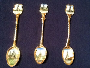 RUSSIAN COLLECTOR DECORATIVE SPOONS. 978