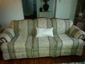 Couch and loveseat For Sale - $800