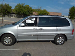 Kia Sedona 2005 FOR SALE - AS IS - ONLY 127,621 KM