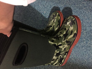 Kids rain boot and winter boot clear out! Great prices for next