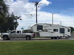 5th wheel trailer 2010 Cougar by Keystone