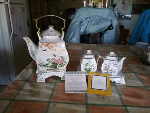 TEA SET EXQUSITE  BIRDS &  FLOWERS OF THE ORIENT FRANKLIN MINT