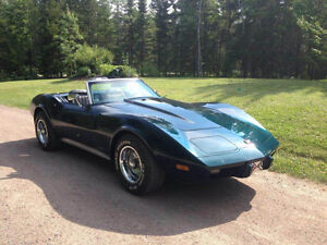 1975 Corvette Convertible (semi rare) - Near mint