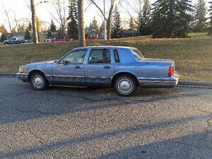1990 Lincoln Town Car Sedan