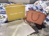 BNWOT Michael Kors bag