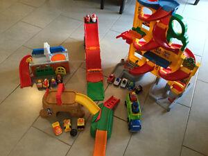 Lot of Little People Wheelies Toys
