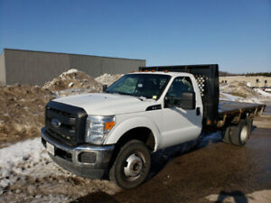 Ford F-350 Super Duty Flatbed