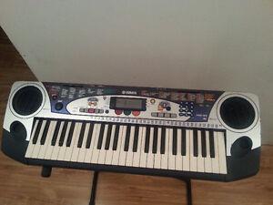 49 Key Yamaha piano keyboard/clavier Yamaha PSR-160