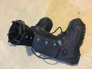 Youth Kids snowboard boots size 4