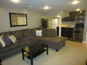 *AMAZING 2BR, 1.5Bath BI-LEVEL APT IN PRIME PICKERING LOCATION*