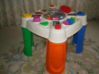 BABYGIFT, NEW UNISEX FISHER-PRICE MUSICAL POP-TIVITY TABLE