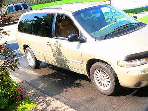 2000 Chrysler Town & Country Lxi Minivan, Van