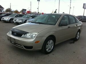 2007 FORD FOCUS SE * POWER GROUP * EXTRA CLEAN London Ontario image 2