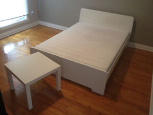 Complete double full bed - IKEA - mattress + small table