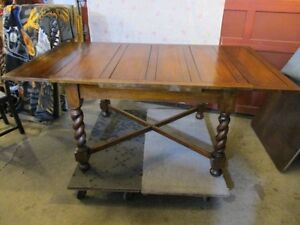 ESTATE PRE 1900 OAK ENGLISH BREAKFAST TABLE & 6 CHAIRS