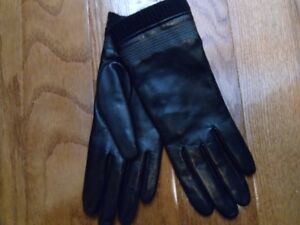 Brand new Fownes Brothers Black Leather Gloves size XS /  6.5