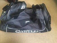 slazenger wheeled holdall / suitcase