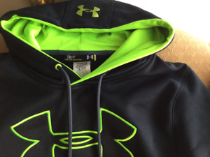 BRAND NEW  UNDER ARMOUR HOODIE MENS SMALL