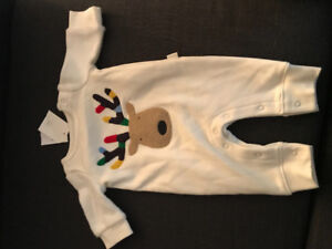 New born Baby Gap Holiday suit brand new with tags