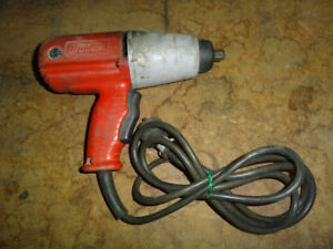"MILWAUKEE 9066 HEAVY DUTY 1/2"" IMPACT WRENCH POWER TOOL"