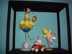 Pier One Decorations Mother/daughter chick & son bunny in car