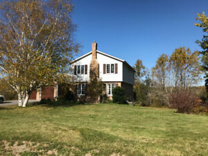 2392 Countryside Cres. – Stunning 4 Bedroom House in Glenburnie