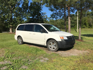 2010 Dodge Minivan .. CERTIFIED and Etested