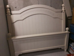 For Sale Ashley Bed & Double Dresser with Mirror