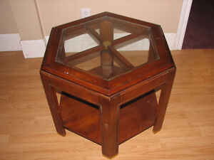 Solid wood/glass hexagone shaped coffee table
