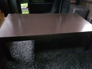 Coffee table & 2 side tables like new w/ Delivery