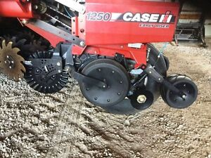 2011 Case IH 1250-16 Row Planter London Ontario image 4