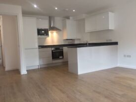 2 Bed Newly built apartments, Salford, on suites, Granite Work Topps, near Uni, city centre.