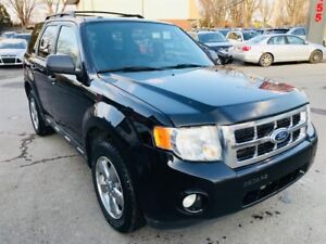 Ford Escape XLT-3.0L-AWD-Auto-Mags Chromees 2010