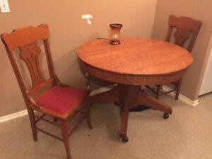 Quarter cut oak kitchen table and chairs